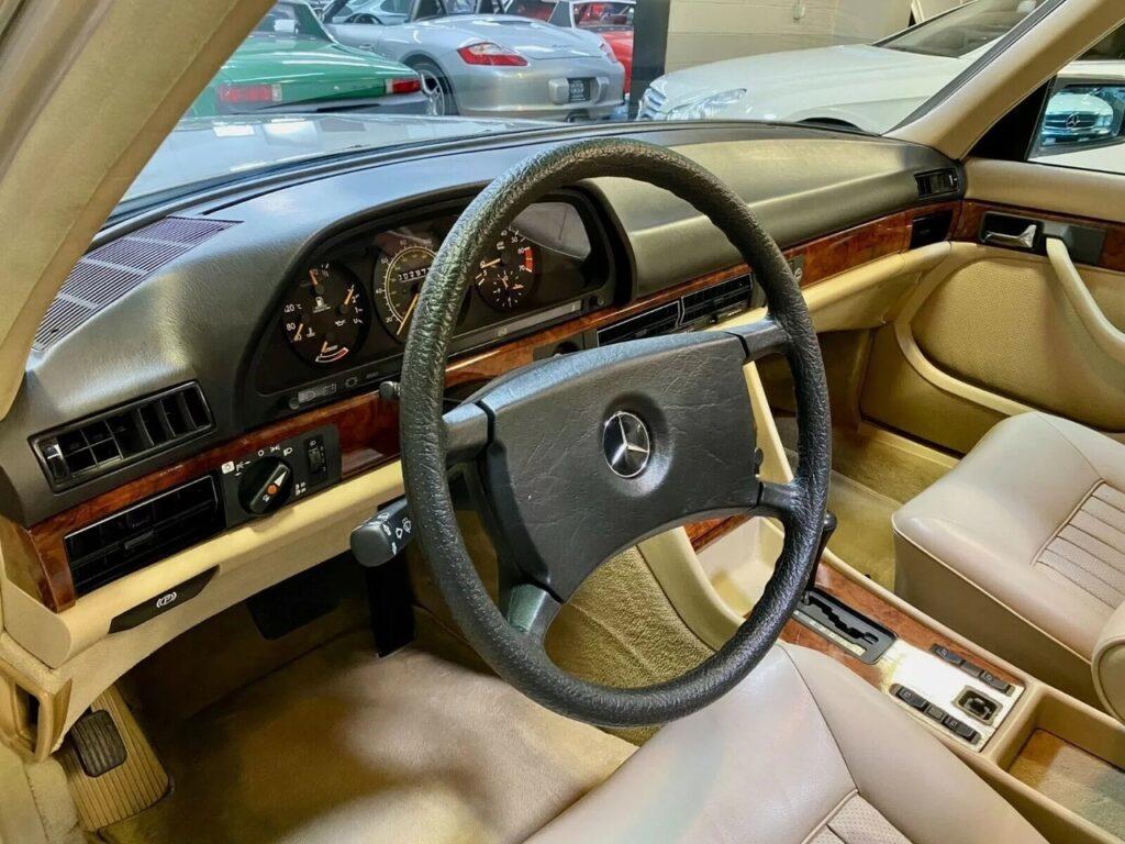 """Mercedes-Benz W126 - так выглядит то, что в автомире называют """"капсулой времени"""""""