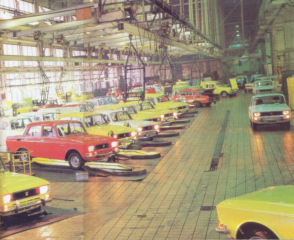 АЗЛК (автомобильный завод им. Ленинского комсомола) был одним из крупнейших в СССР автомобилестроительных заводов