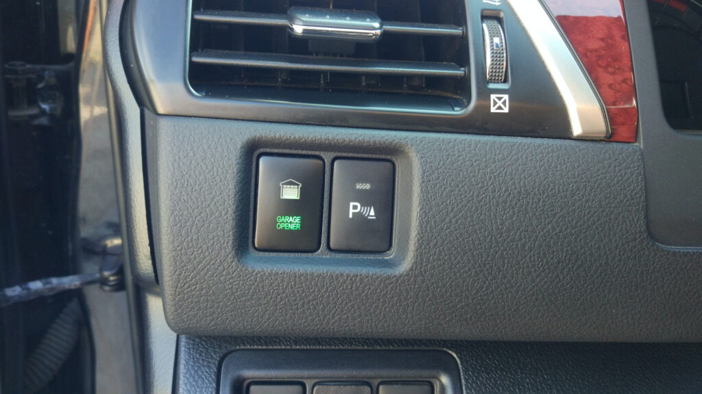 Самые редкие детали и функции в известных нам авто