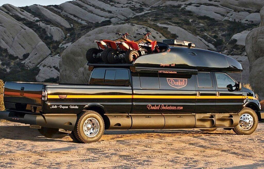 Ford F-750 Dunkel Luxury