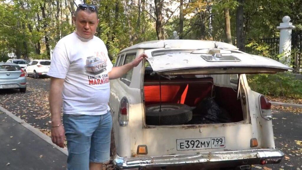 Большая крышка багажника сварена из двух элементов от ГАЗ-22