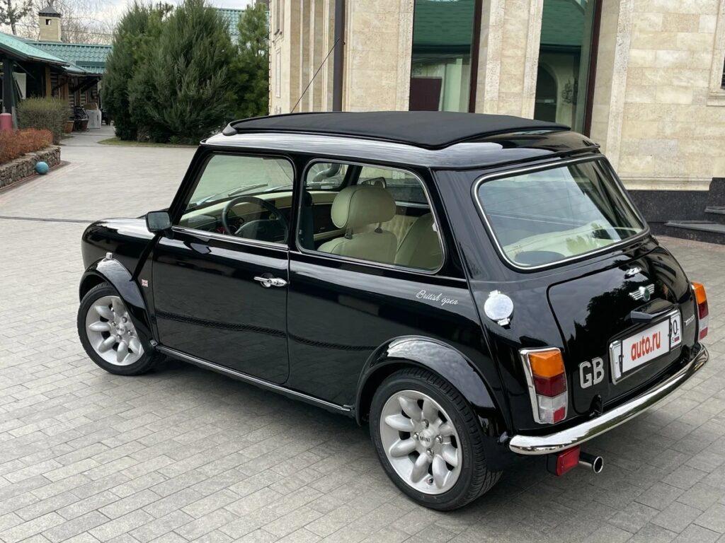 В продаже: Mini Cooper 2000 года выпуска за 2 млн рублей