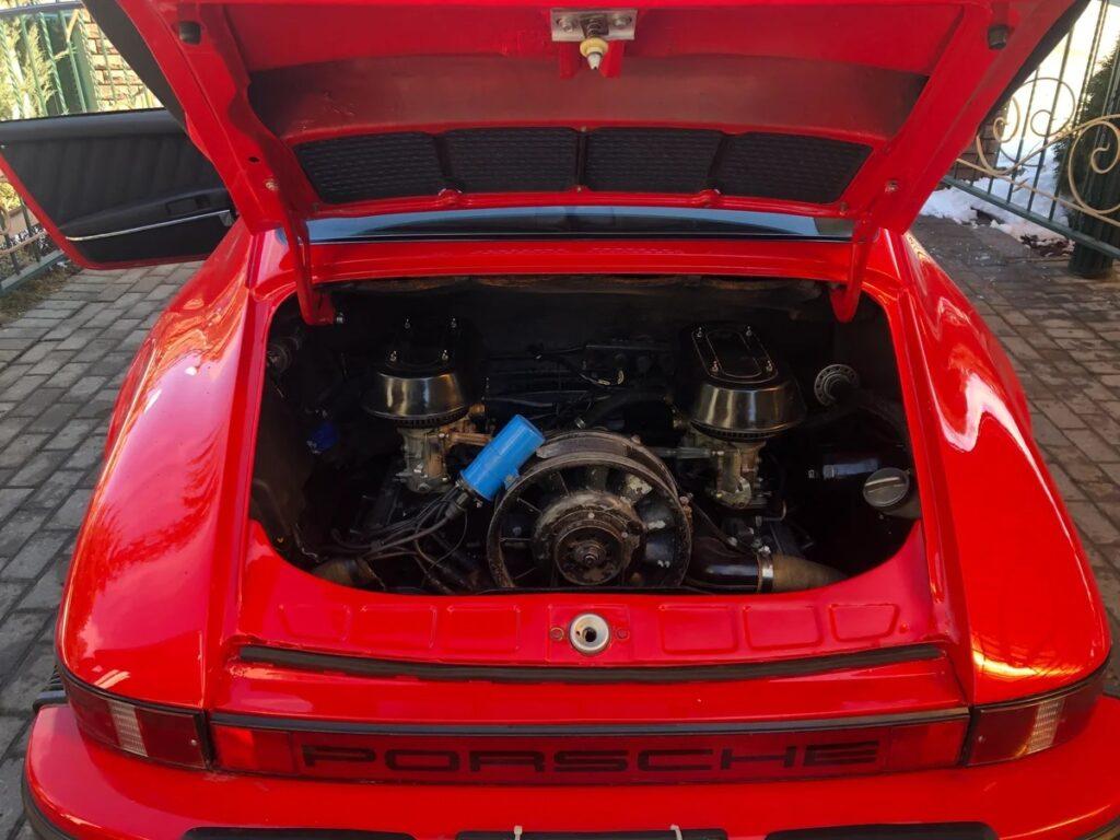 Один из самых узнаваемых автомобилей мира - Porsche 911