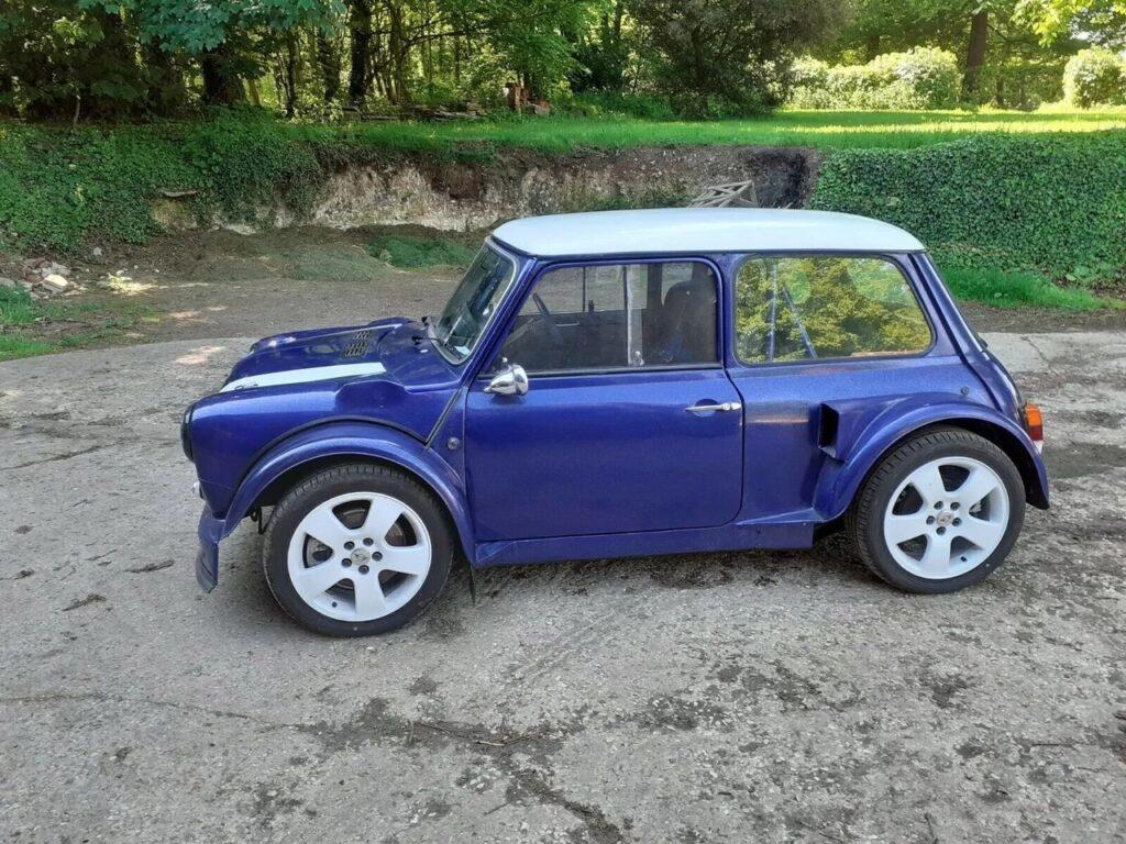 """Austin Mini - маленькая, но очень """"гордая"""" полноприводная машинка"""