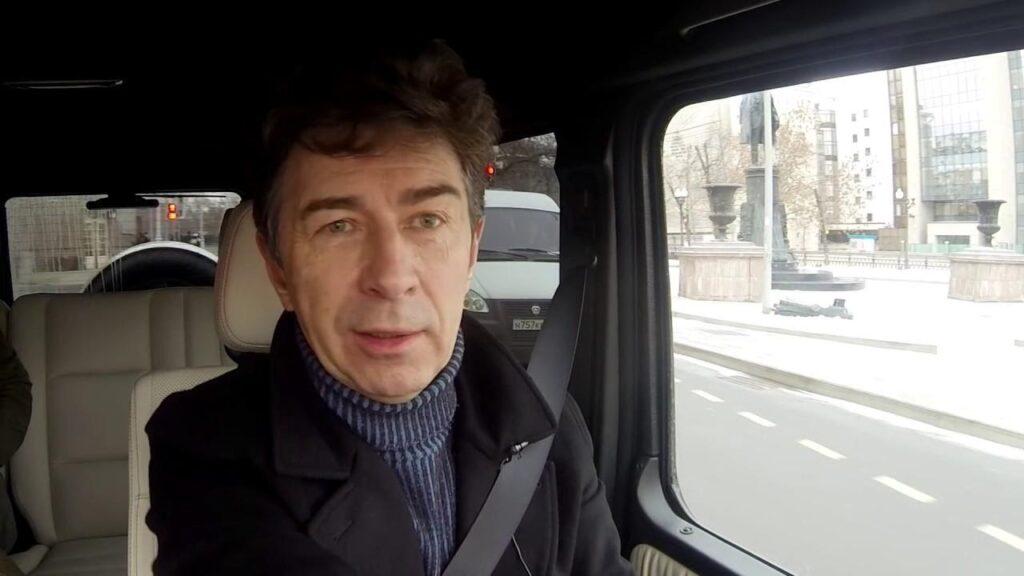 Валерий Сюткин за рулем