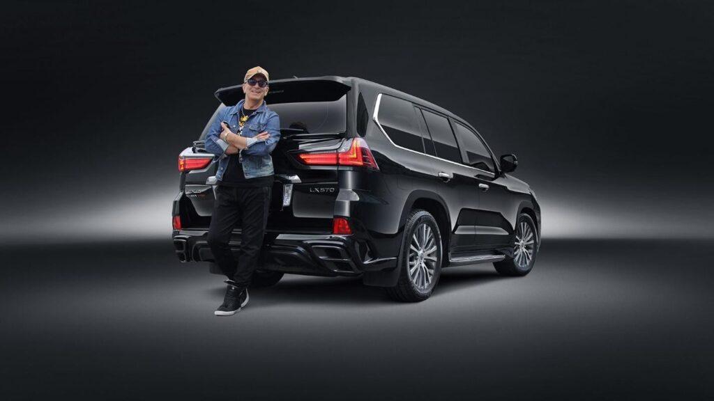 Буйнов со своим Lexus