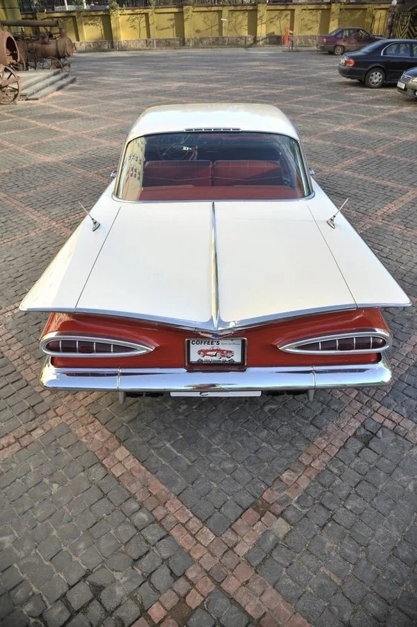 Chevrolet Impala Sport Coupe за 4.5 миллиона рублей - когда 60 лет не возраст