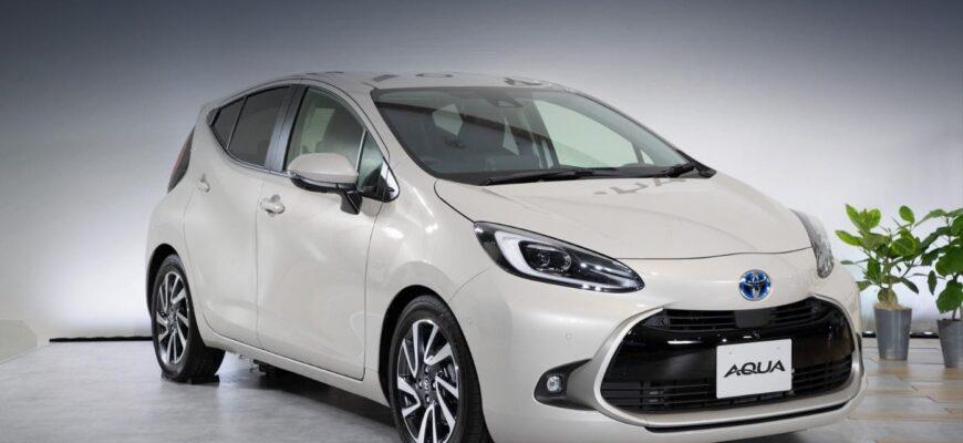 Новая версия электрокара Toyota Aqua - теперь с мощными аккумуляторами