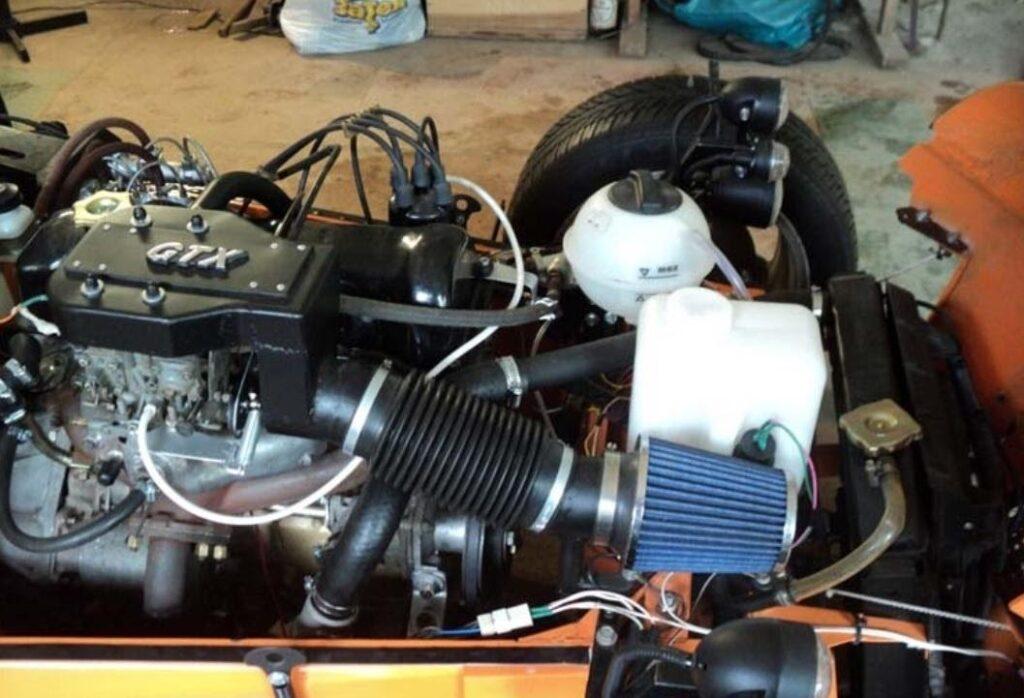 Высокое качество сборки подтверждает снимок моторного отсека