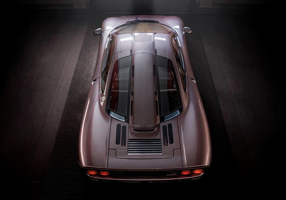 McLaren F1 - гражданский автомобиль с гоночным сердцем