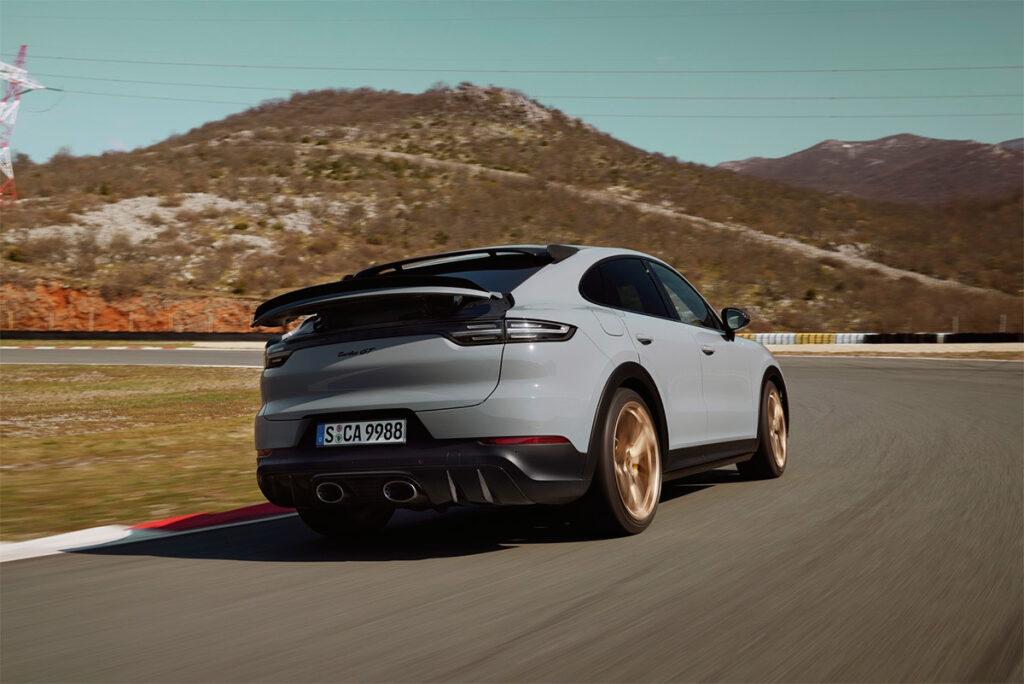 Очень быстрый кроссовер – Porsche Cayenne GT