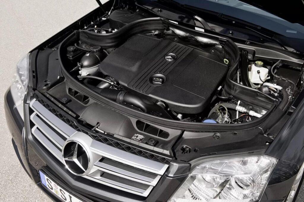 Надежные двигатели Mercedes сохраняют хорошее функциональное состояние при большом пробеге