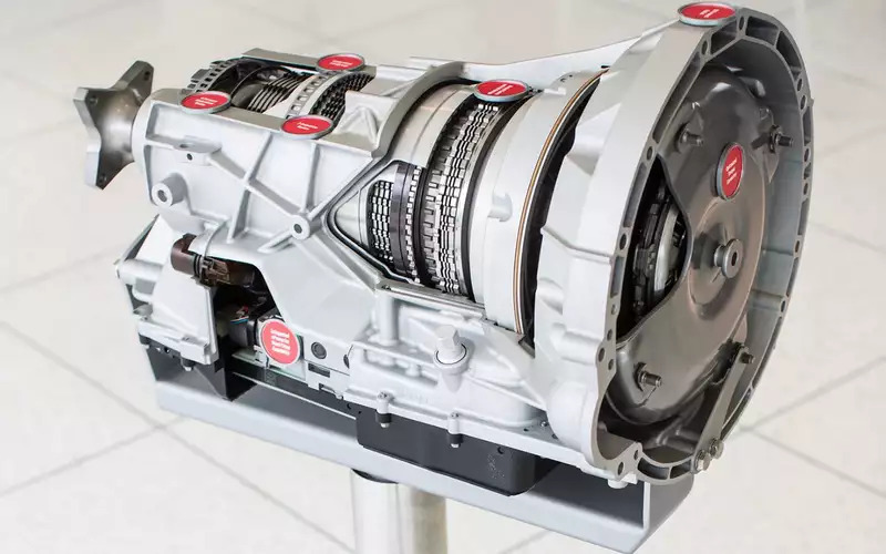 Десятиступенчатый «автомат» для Ford F-150 создан с шестью комплектами фрикционов, которые управляют 4-мя планетарными узлами