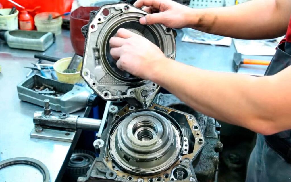 Качественный ремонт АКПП могут сделать только опытные специалисты