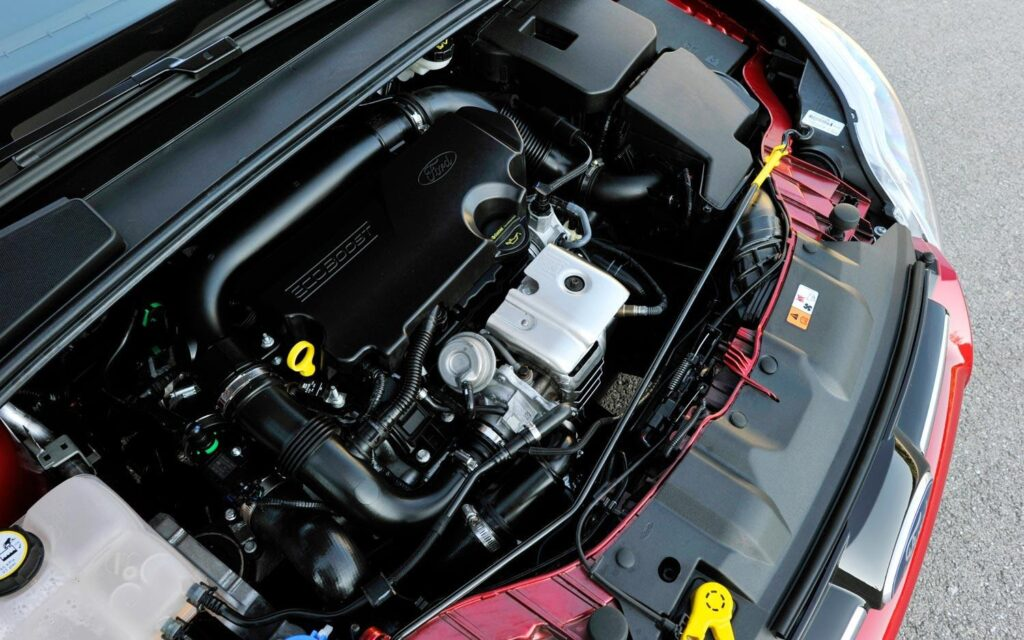 Трехцилиндровый двигатель Ecoboost с объемом 1 л