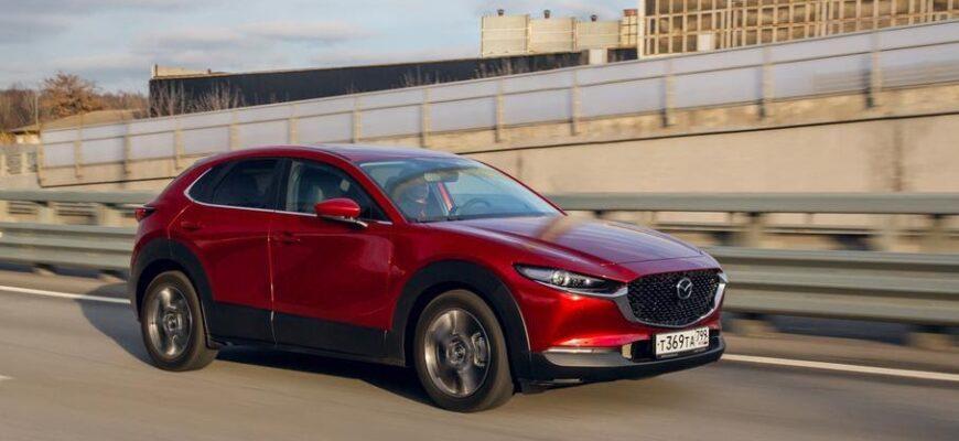 Обогрев лобового стекла за 90 000 рублей в Mazda CX-30 - правда ли так дорого?