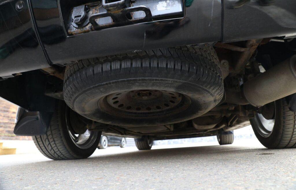 Размещение запасного колеса