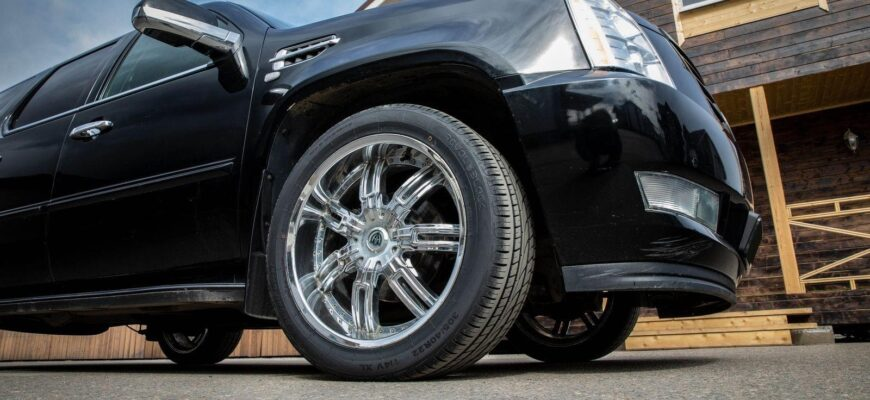"""Много комфорта за """"недорого"""": обзор Cadillac Escalade 2008 года выпуска"""
