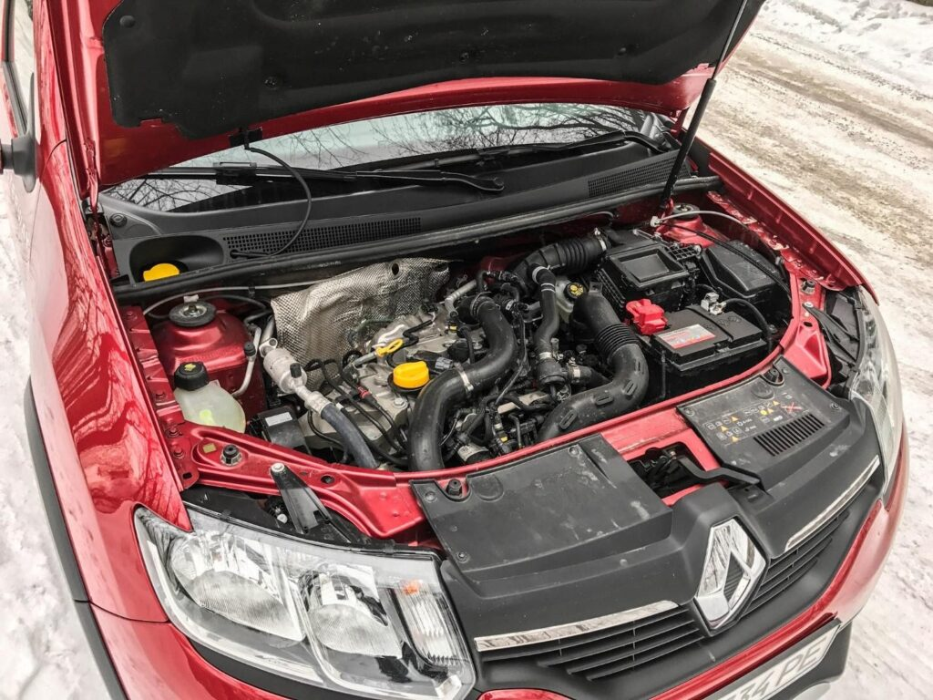 Компактный двигатель Renault с объемом 0,9 л в Sandero Stepway