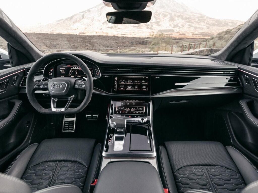 Салон Audi RS Q8
