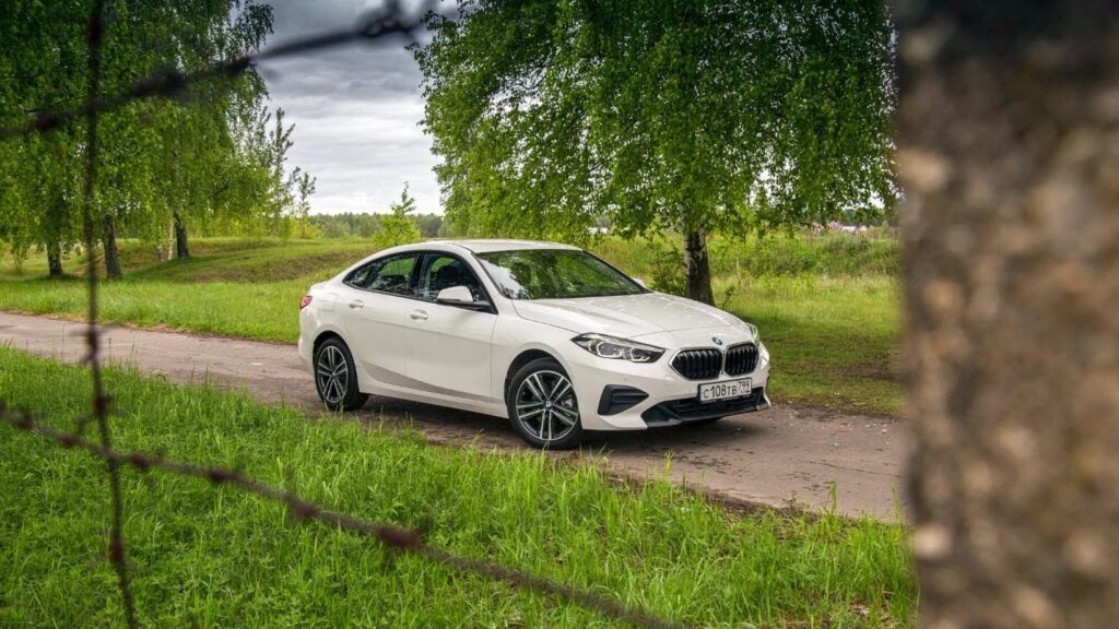 Спортивный внешний вид BMW Gran Coupe 218i