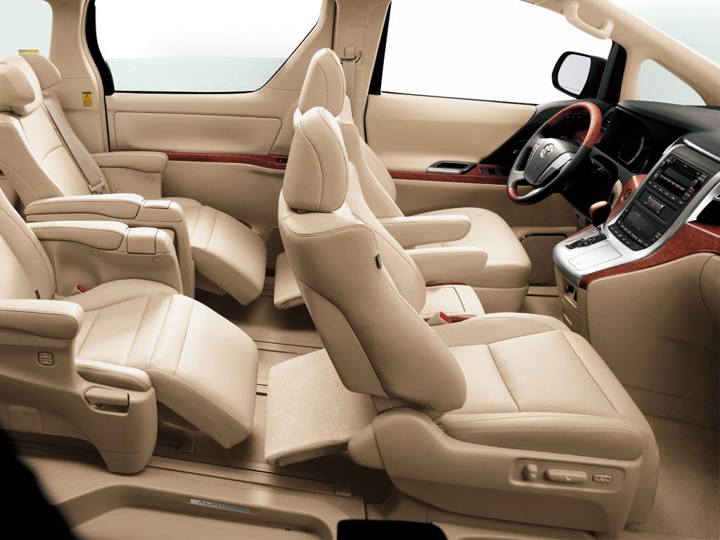 Салон Toyota Alphard II