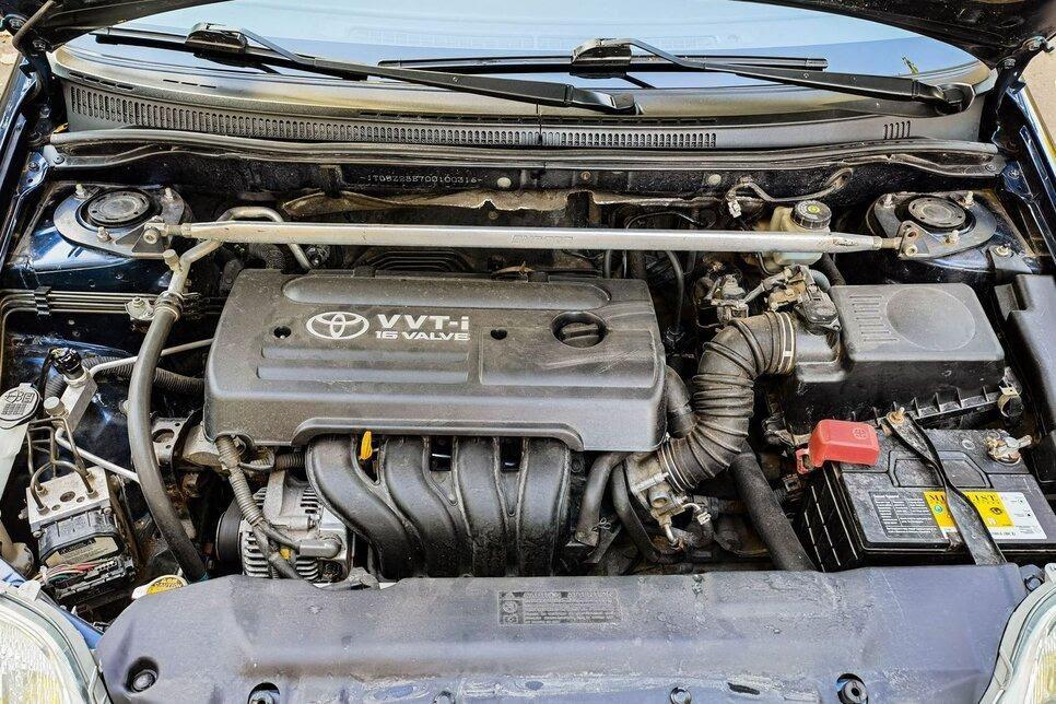 Бензиновый двигатель, оснащенный системой VVTi для изменения фаз газораспределения
