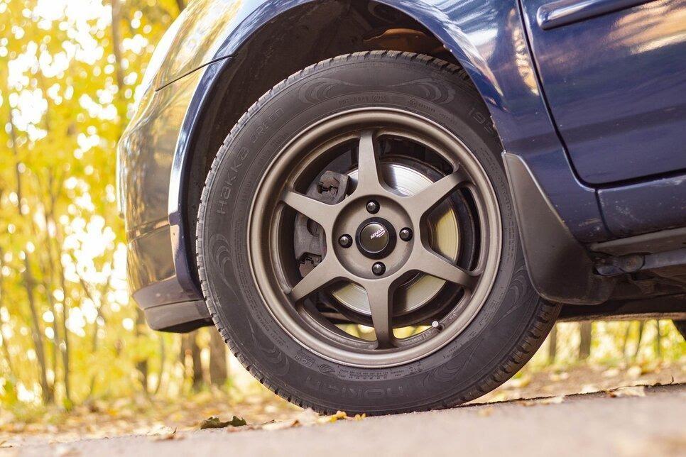 Передние и задние диски сохраняют функциональное состояние до пробега 120 и 150 тыс. км соответственно
