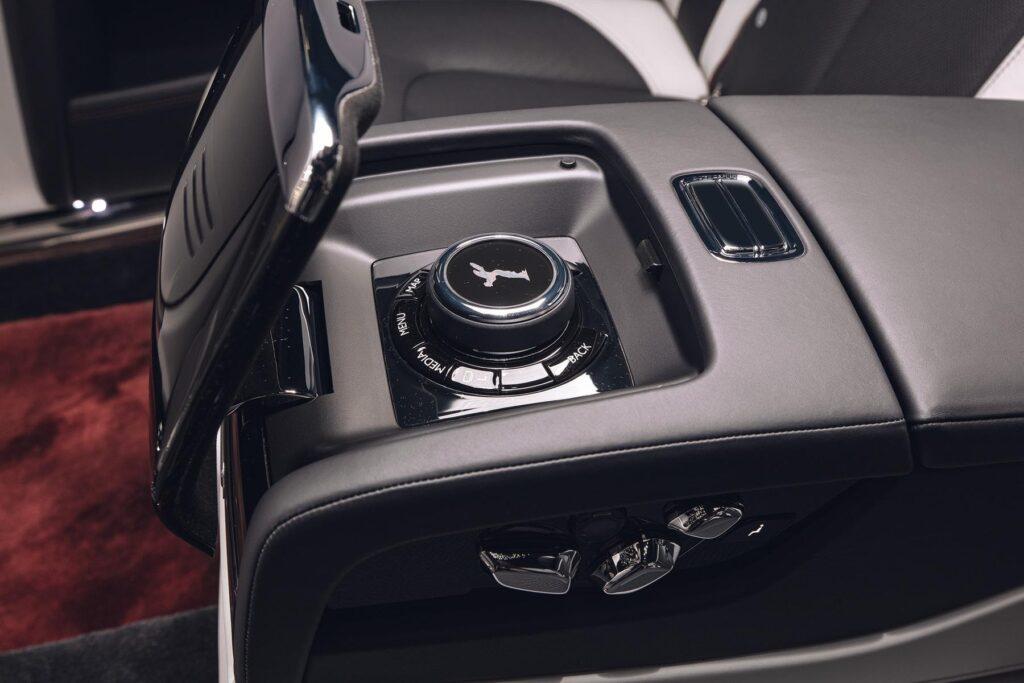 Rolls-Royce для начинающих: обзор нового лимузина Ghost