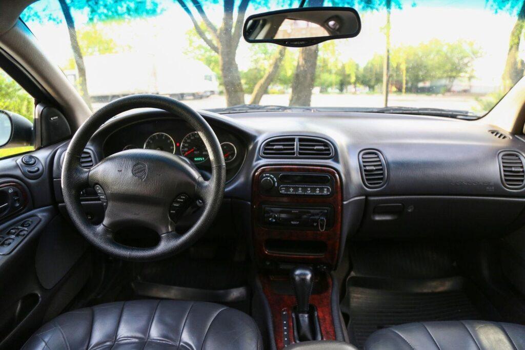 Как купить большой седан «за копейки»: обзор Chrysler Concorde 1999 года выпуска