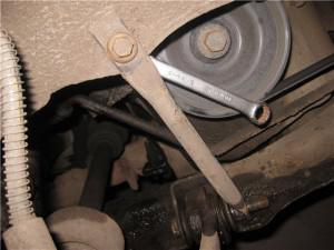 Замена сайлентблоков переднего рычага рено логан своими руками 11