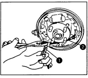 Замена передних тормозных колодок 32