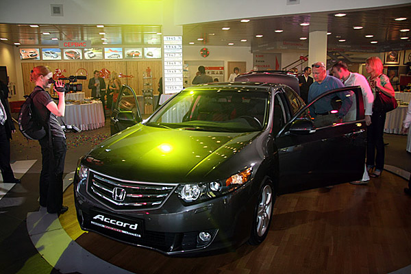 Презентация Honda Accord 8 - фото 3