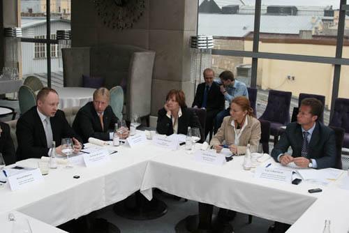 14 мая за круглым столом, организованном ИД КоммерсантЪ, эксперты обсудили перспективы автобизнеса в России