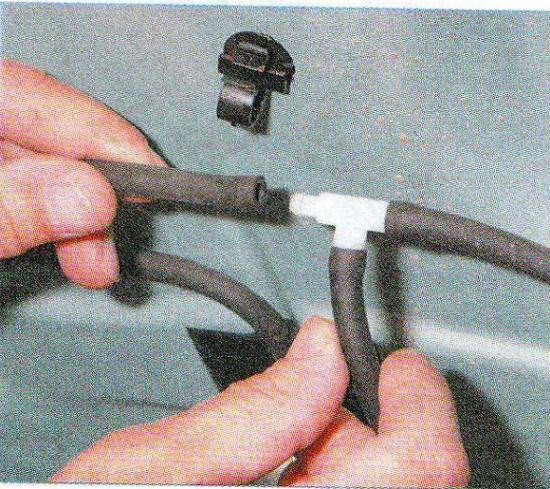 снятие бачка омывателя на рено логан