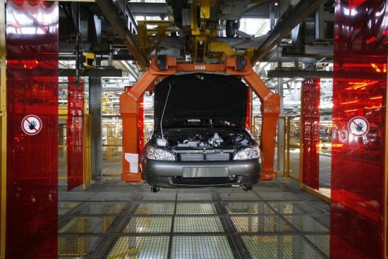 Автоваз отказался повышать зарплаты рабочим
