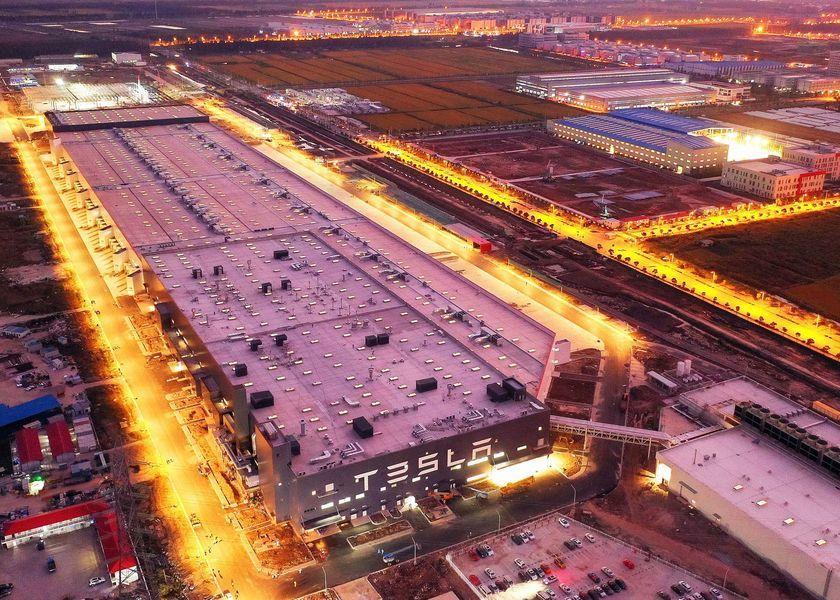 В начале 2020 года компания Tesla открыла свой первый завод за пределами Северной Америки, в китайском Шанхае