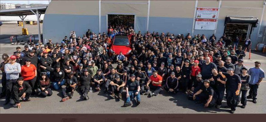 Tesla выпустила миллионный электрокар