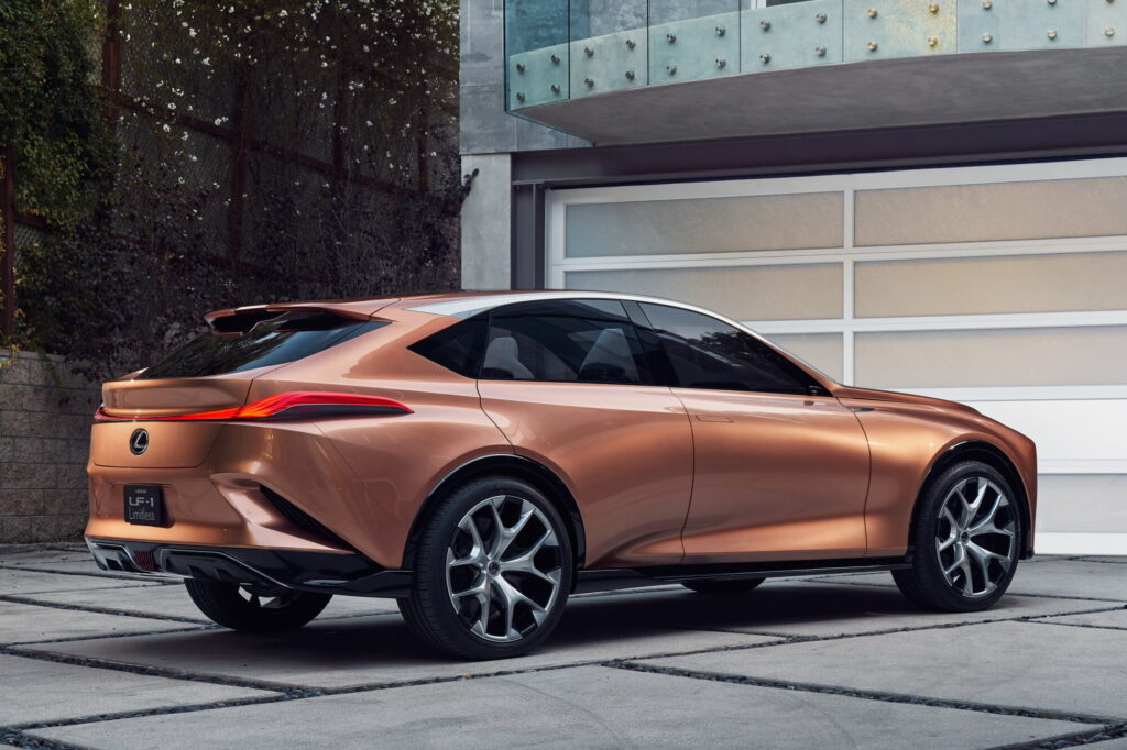 Концепт Lexus LF-1 Limitless (2)