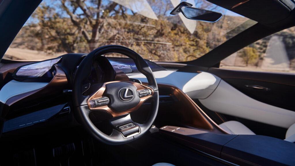 Салон Lexus LF-1 Limitless