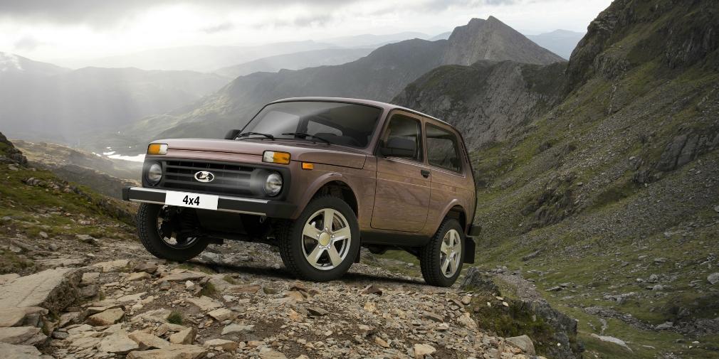 На третьей строчке рейтинга расположился российский трехдверный внедорожник Lada 4x4