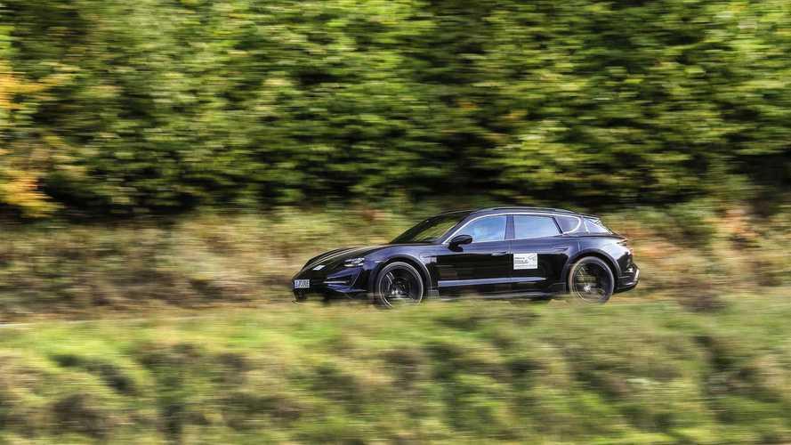 Новый тизер Porsche Taycan