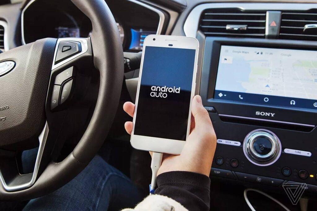 В свою очередь, полноценная операционная система, которую получат модели PSA Group, позволит устанавливать мобильные приложение из Play Market прямо на мультимедийную систему автомобиля через Wi-fi