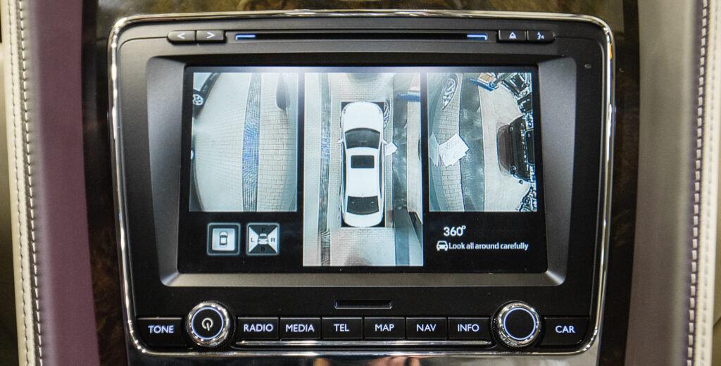 В верхней строчке рейтинга расположилась марка Volvo. Сразу за ней с небольшим отставанием находится бренд BMW