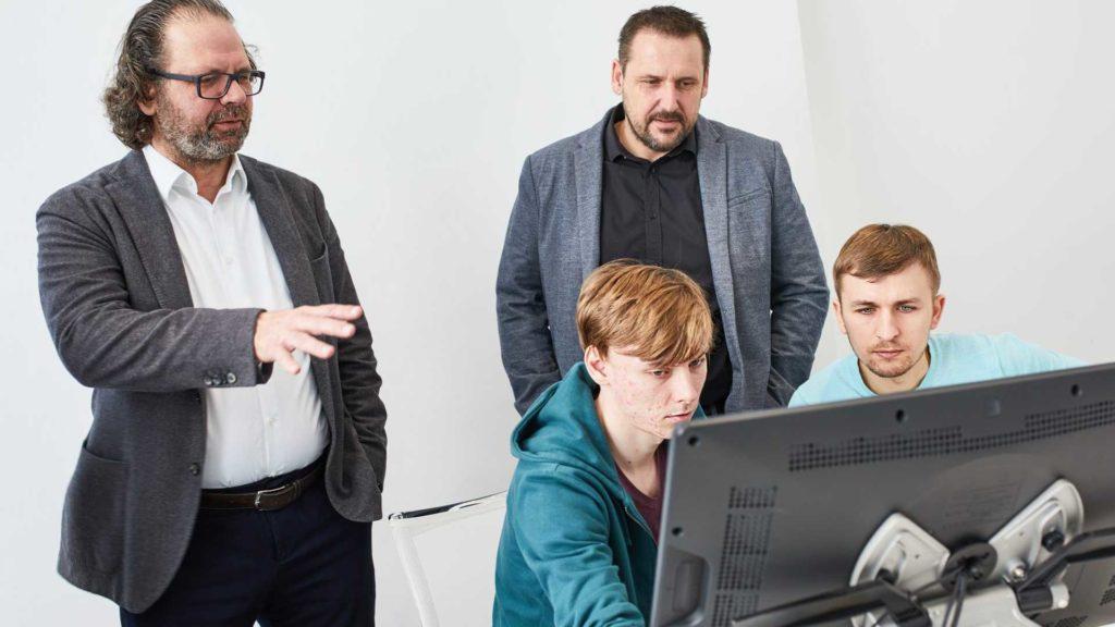 Выпускники 2020 года приняли решение за основу своей работы взять хетчбэк Skoda Scala