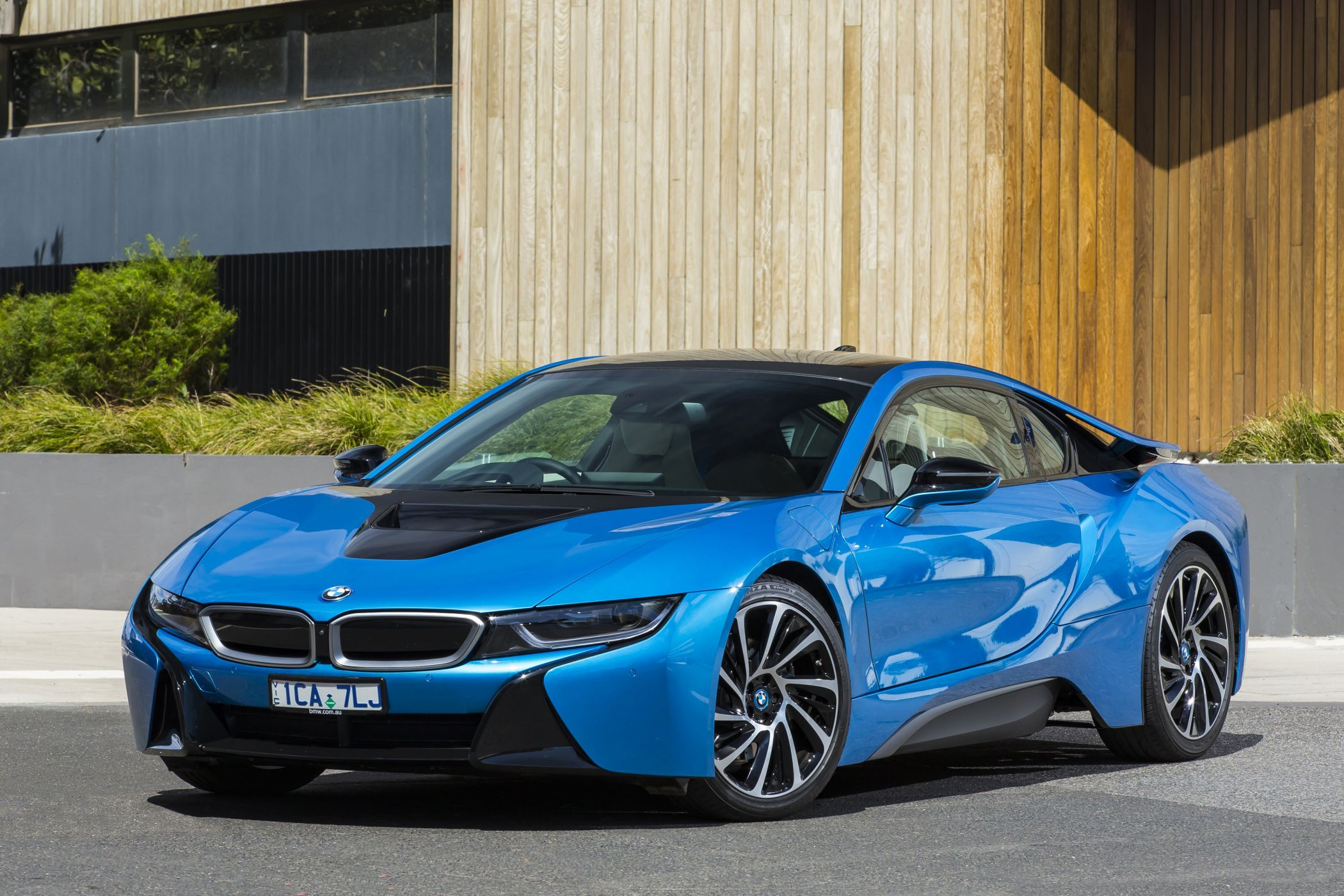 Спорткар BMW i8 больше не будет выпускаться