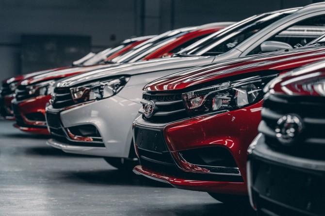 Ведомства и Госкомпании смогут покупать машины в кредит по нулевой ставке