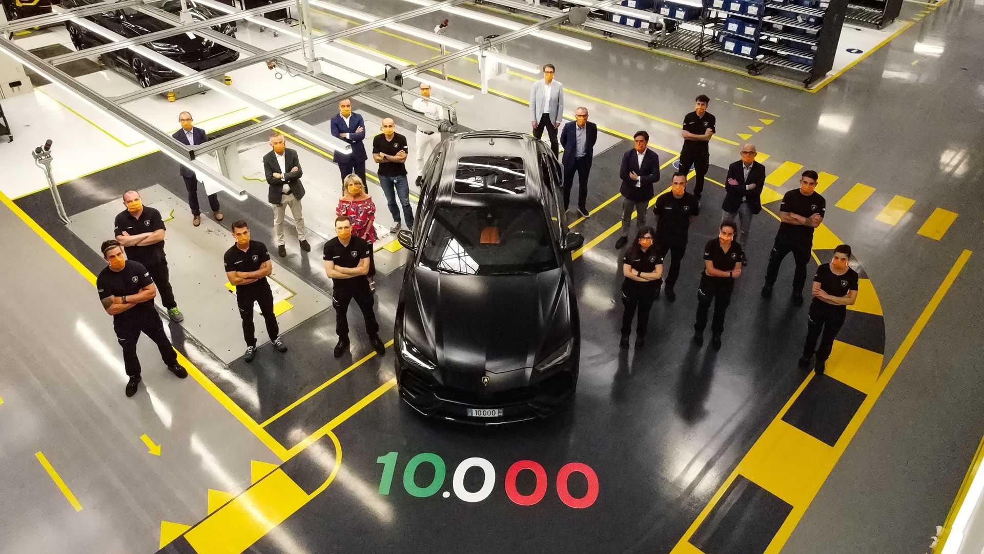 10 000-й Lamborghini Urus сошел с конвейера