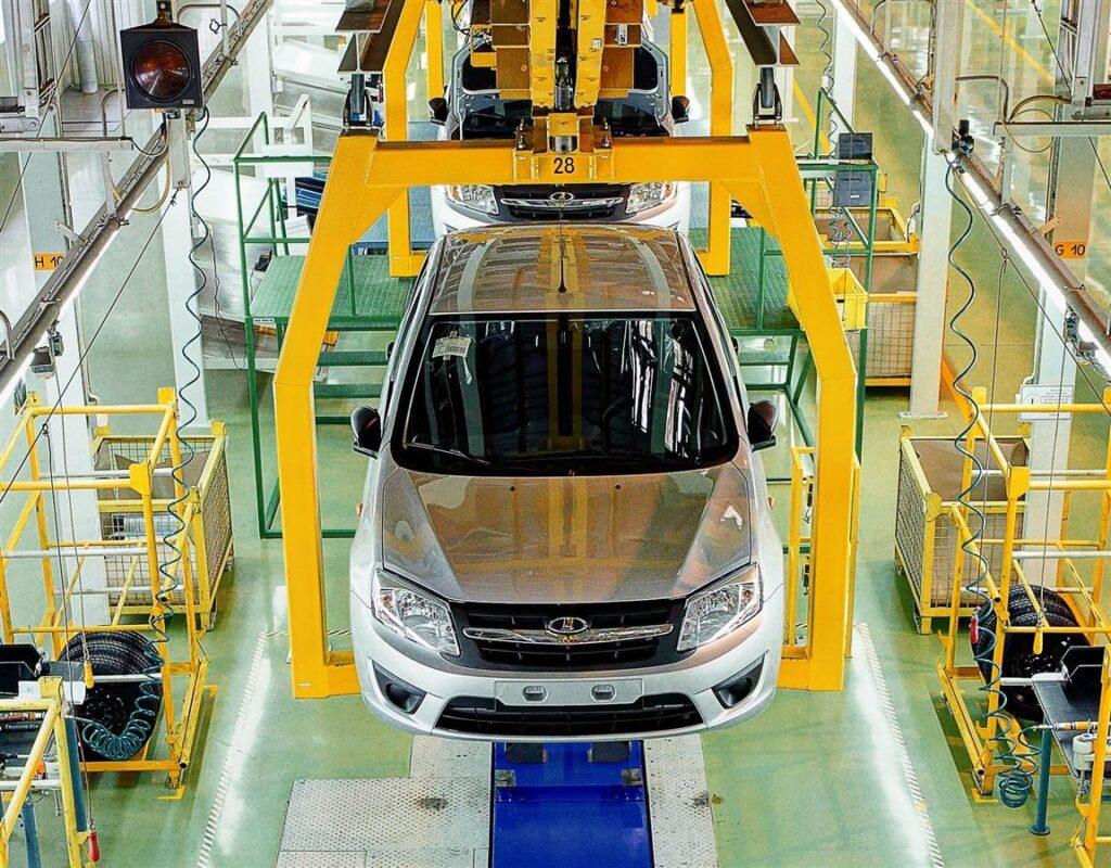 За прошедшие девять месяцев 2020 года АвтоВАЗ реализовал более 225 000 автомобилей, что является крупнейшим показателем на российском рынке по итогам этого периода