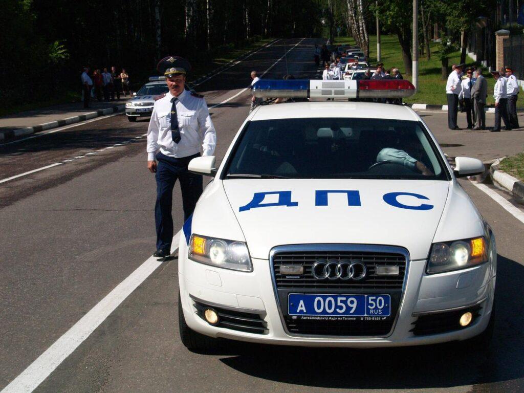 В любом случае в автомобиле также будет находиться инспектор ГИБДД, который будет контролировать весь процесс от начала до конца